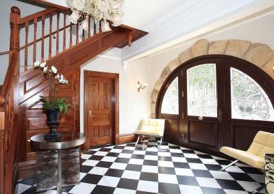 Los Gatos Perrin House Inside Lobby Front Entryway